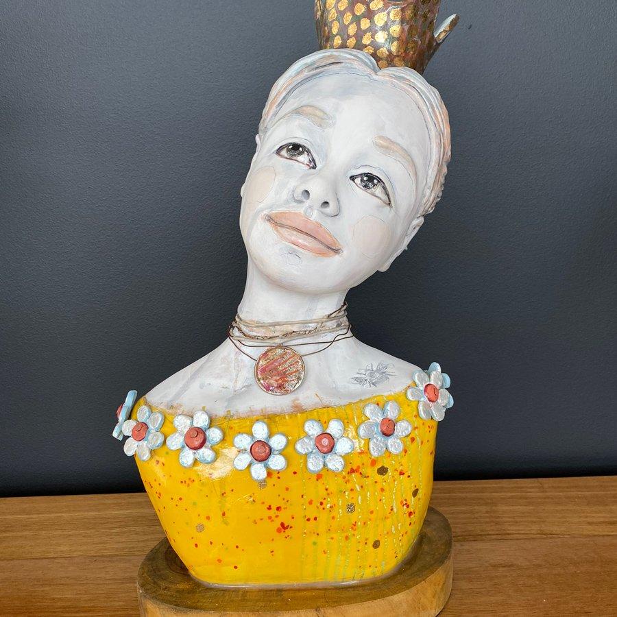Jo-Cook-the-yellow-princess